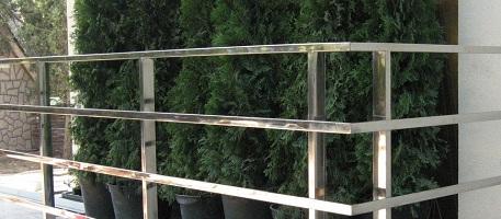 Ограждения из нержавеющей трубы — практичное и эстетичное решение в помещении и на улице