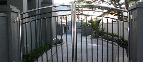 Забор из нержавеющего металлопроката